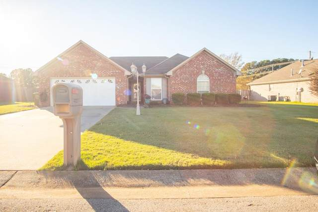 2304 W Camden Cove W, Muscle Shoals, AL 35661 (MLS #432659) :: MarMac Real Estate