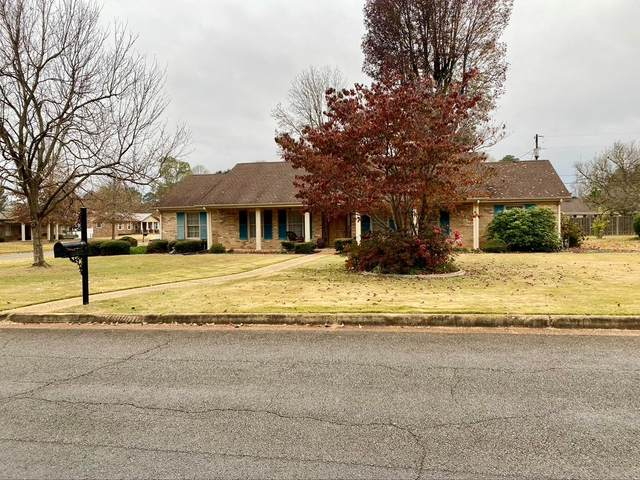 2203 Chickasaw Dr, Florence, AL 35630 (MLS #432704) :: MarMac Real Estate