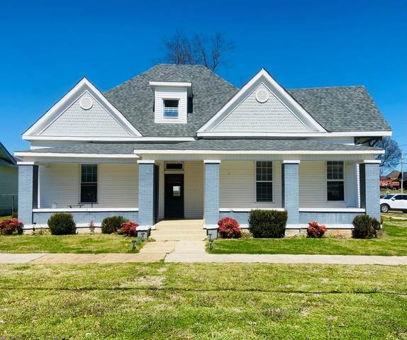 300 6th St W, Tuscumbia, AL 35674 (MLS #433645) :: MarMac Real Estate