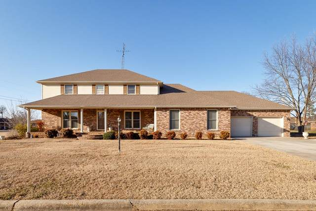 1701 Jackson Ave, Muscle Shoals, AL 35661 (MLS #433693) :: MarMac Real Estate