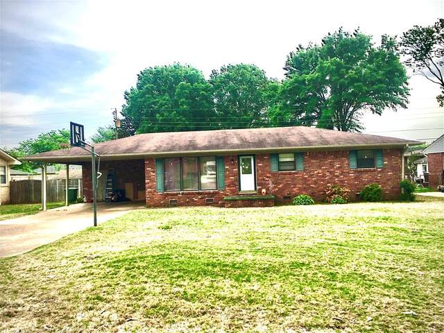 910 E Waverly Ave, Muscle Shoals, AL 35661 (MLS #434318) :: MarMac Real Estate