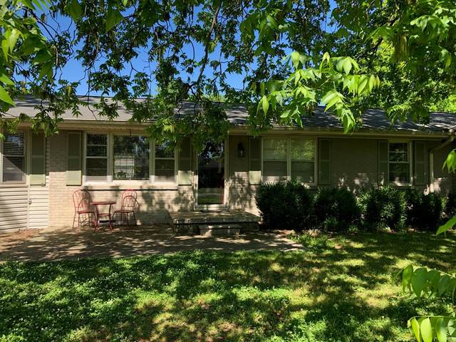 202 W Edison Ave, Muscle Shoals, AL 35661 (MLS #434516) :: Amanda Howard Sotheby's International Realty