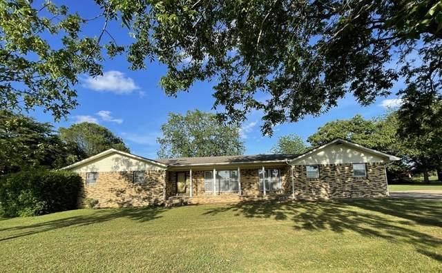 1303 S Indian St, Tuscumbia, AL 35674 (MLS #434701) :: MarMac Real Estate