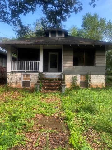 221 Lelia St, Florence, AL 35630 (MLS #434870) :: MarMac Real Estate
