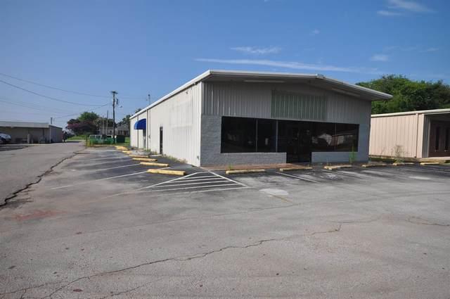 512 W Midland Avenue, Muscle Shoals, AL 35661 (MLS #500067) :: MarMac Real Estate