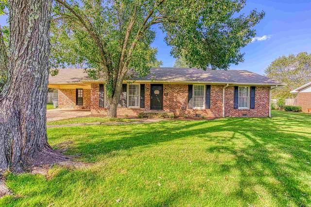 148 S New Castle Dr, Florence, AL 35633 (MLS #501787) :: MarMac Real Estate