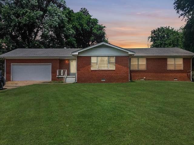 1215 Joe Wheeler Dr, Tuscumbia, AL 35674 (MLS #430437) :: MarMac Real Estate
