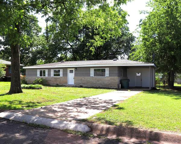 103 Monroe Dr, Tuscumbia, AL 35674 (MLS #167883) :: MarMac Real Estate