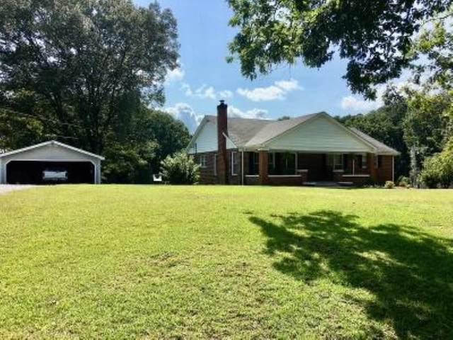 3205 Woodmont Dr, Tuscumbia, AL 35674 (MLS #500653) :: MarMac Real Estate