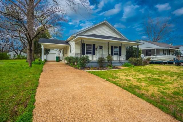 903 1st St E, Tuscumbia, AL 35674 (MLS #428452) :: MarMac Real Estate