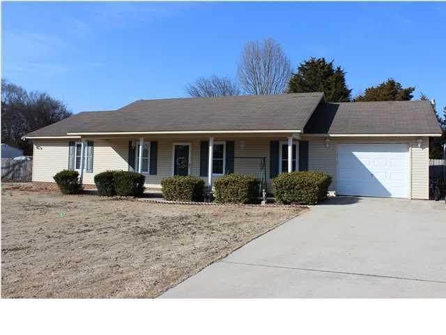 85 Page St, Rogersville, AL 35652 (MLS #167165) :: MarMac Real Estate
