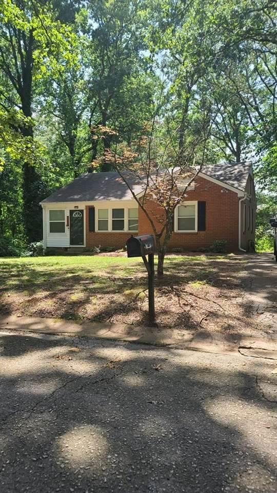 1103 Glenn Ave, Florence, AL 35630 (MLS #168444) :: MarMac Real Estate