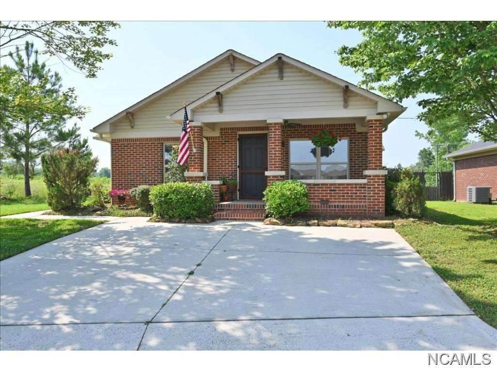 001 Creekside Dr, Florence, AL 35630 (MLS #428052) :: MarMac Real Estate