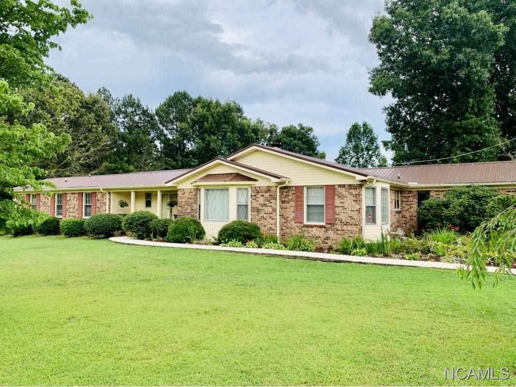 393 Heron Cove Rd, Killen, AL 35645 (MLS #428178) :: MarMac Real Estate