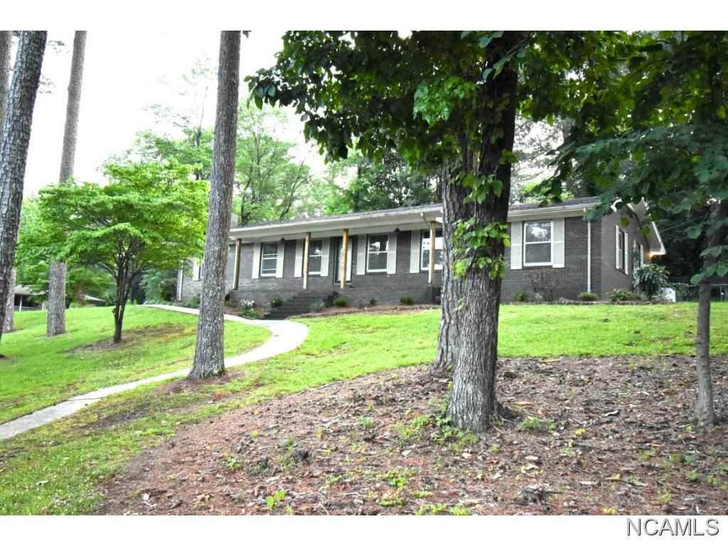 163 Eastwood Ln, Killen, AL 35645 (MLS #428218) :: MarMac Real Estate