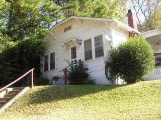 700 Alabama Ave, Sheffield, AL 35660 (MLS #428328) :: MarMac Real Estate