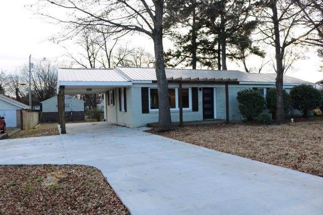 506 Puritan Ave W, Muscle Shoals, AL 35661 (MLS #428817) :: MarMac Real Estate