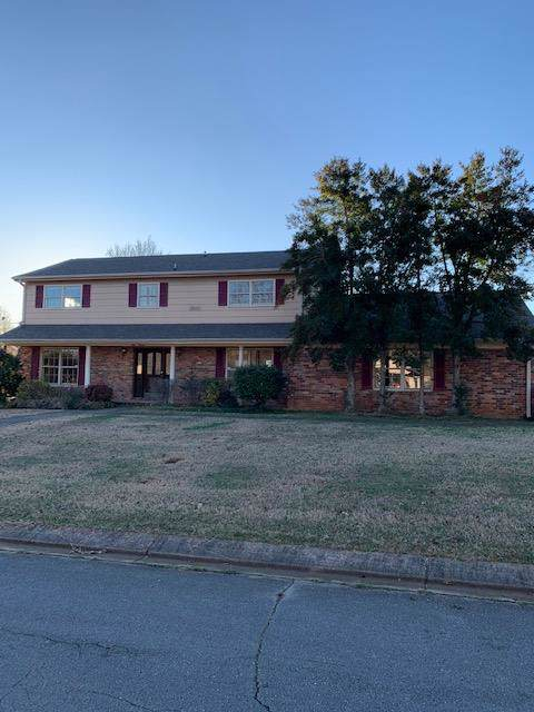 111 Shirley Dr, Florence, AL 35630 (MLS #428982) :: MarMac Real Estate
