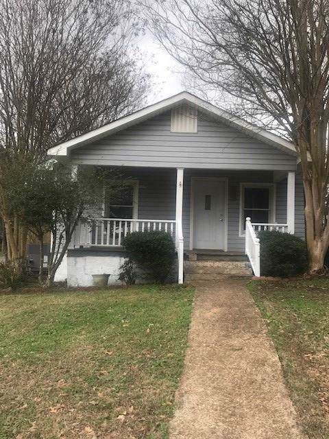 701 S Hook St, Tuscumbia, AL 35674 (MLS #428987) :: MarMac Real Estate