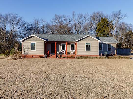 1903 Orman St, Muscle Shoals, AL 35661 (MLS #429029) :: MarMac Real Estate