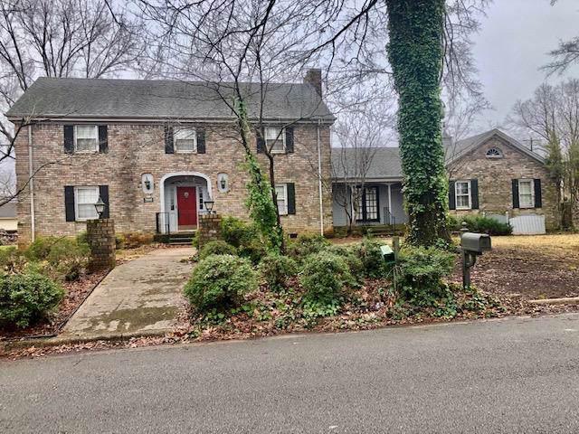 2000 Marietta Ave, Muscle Shoals, AL 35661 (MLS #429441) :: MarMac Real Estate