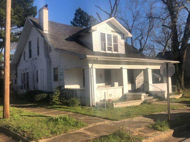 1110 N Nashville Ave N, Sheffield, AL 35660 (MLS #429516) :: MarMac Real Estate