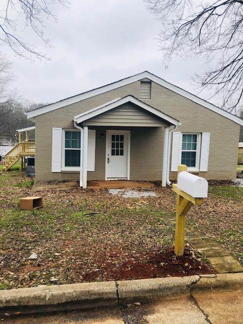 1015 Francis St, Tuscumbia, AL 35674 (MLS #429552) :: MarMac Real Estate