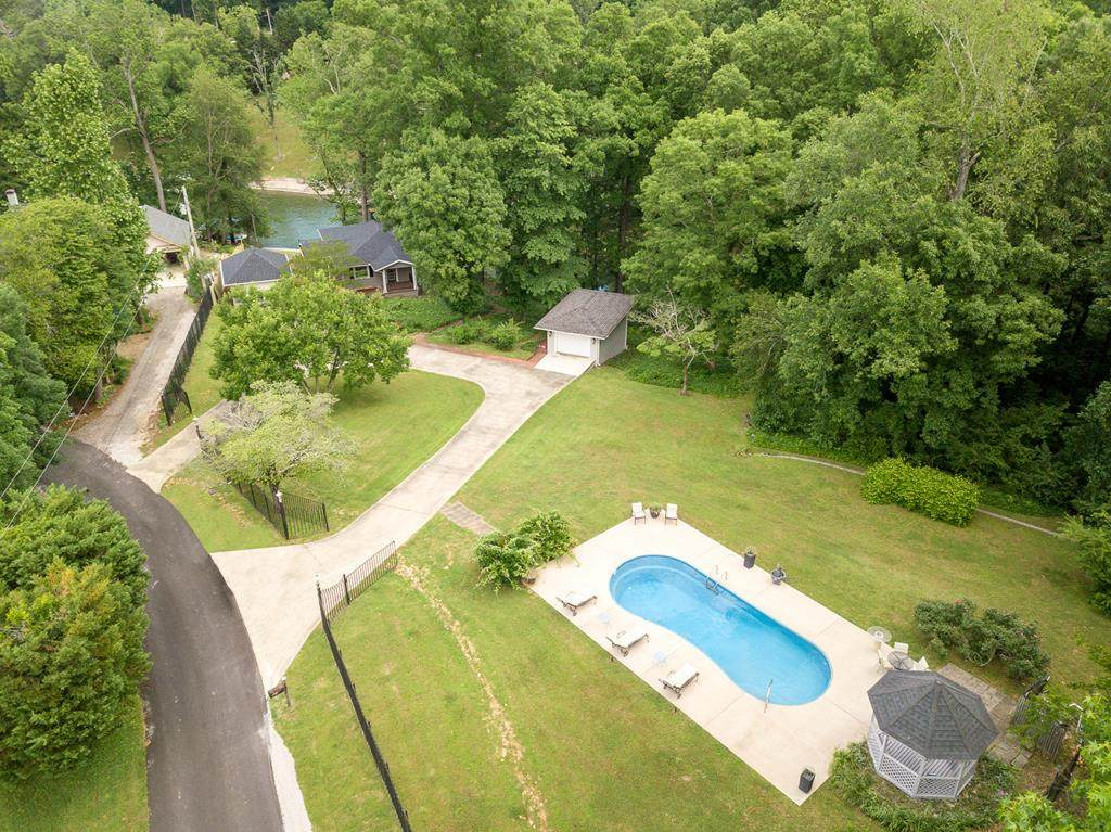 280 Sycamore Dr - Photo 1