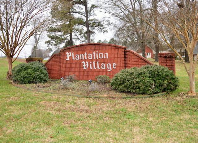 712 Plantation Dr, Killen, AL 35645 (MLS #430843) :: MarMac Real Estate