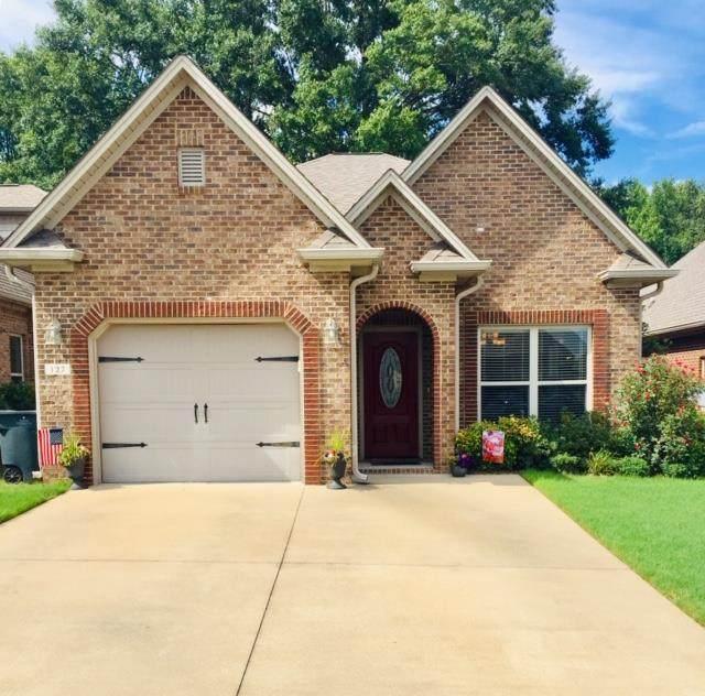 127 Cottage Ln, Florence, AL 35630 (MLS #431471) :: MarMac Real Estate