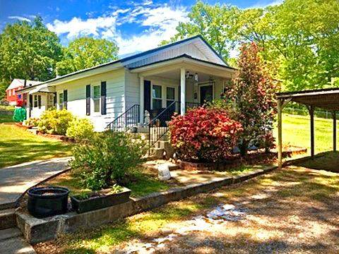 1008 Madison Ave, Tuscumbia, AL 35674 (MLS #432029) :: MarMac Real Estate