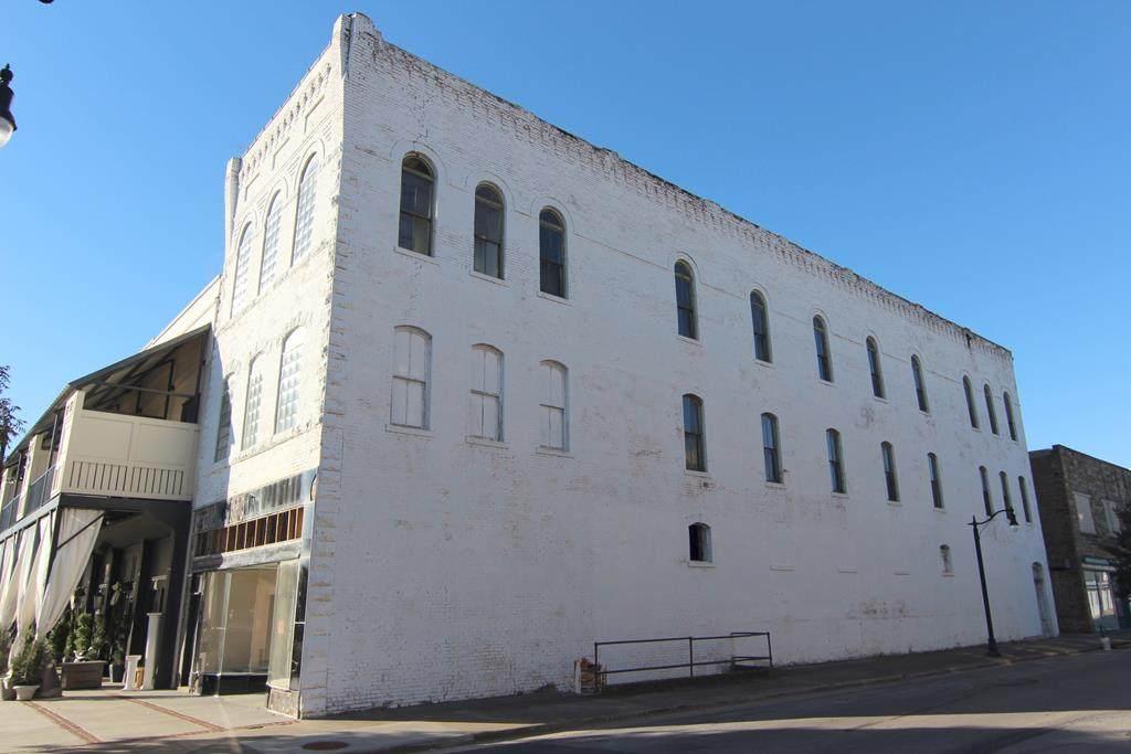 223 Montgomery Ave - Photo 1