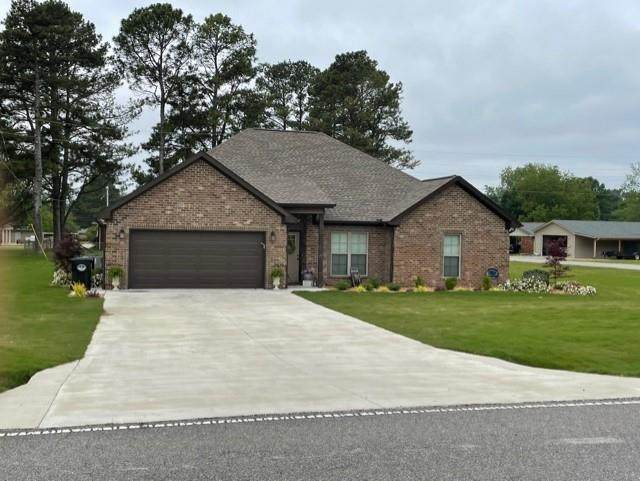400 Ford Rd, Muscle Shoals, AL 35661 (MLS #434449) :: MarMac Real Estate