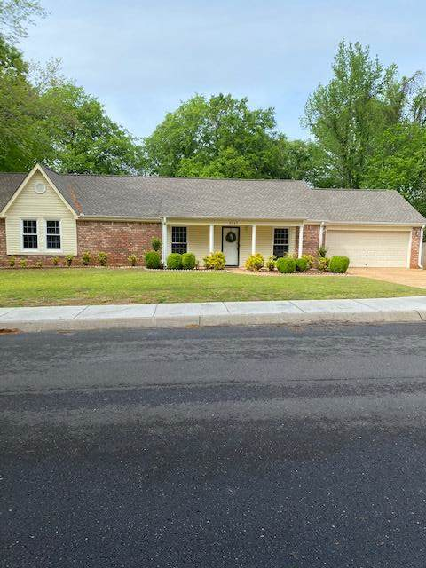 2217 Edwards Ave, Muscle Shoals, AL 35661 (MLS #434598) :: MarMac Real Estate