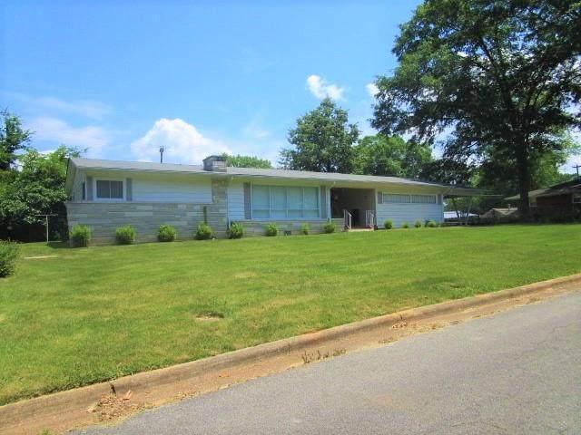 116 Kentucky Ave, Sheffield, AL 35660 (MLS #167747) :: MarMac Real Estate