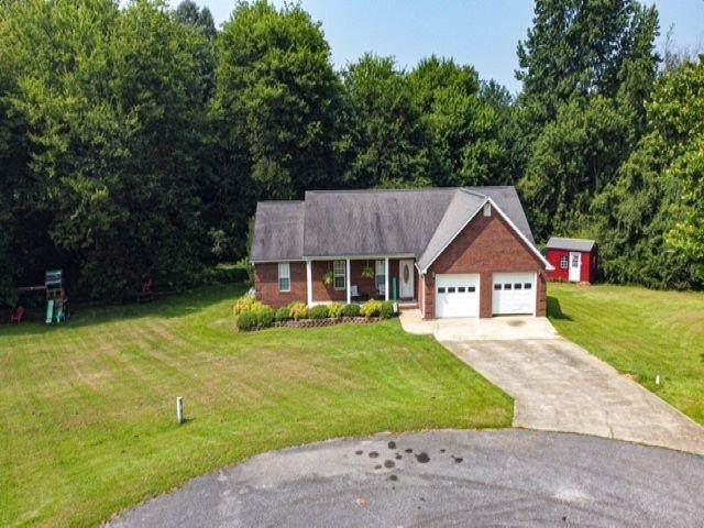 253 Bluebird, Florence, AL 35645 (MLS #500275) :: MarMac Real Estate