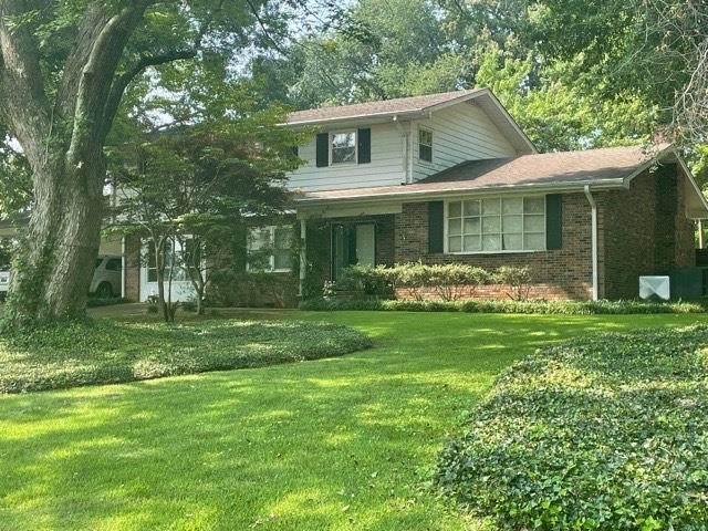 2008 Oak Dr, Muscle Shoals, AL 35661 (MLS #168164) :: MarMac Real Estate