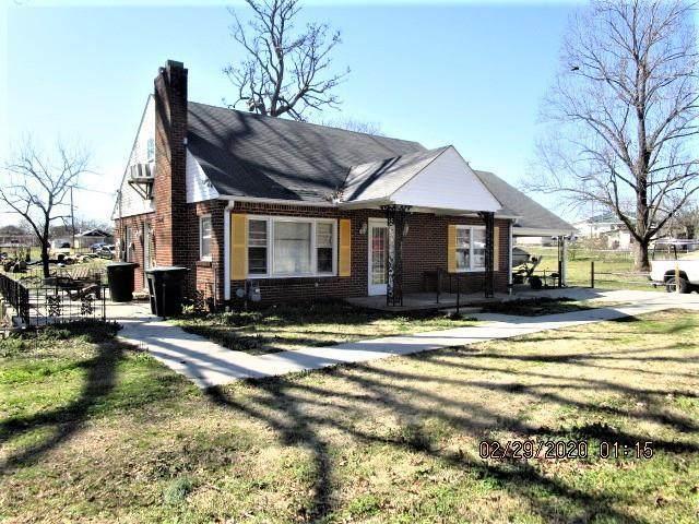 22 Weakley St S, Florence, AL 35630 (MLS #429598) :: MarMac Real Estate