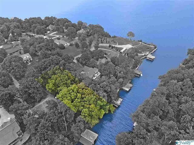 632 Ridgecliff Dr, Florence, AL 35634 (MLS #430723) :: MarMac Real Estate