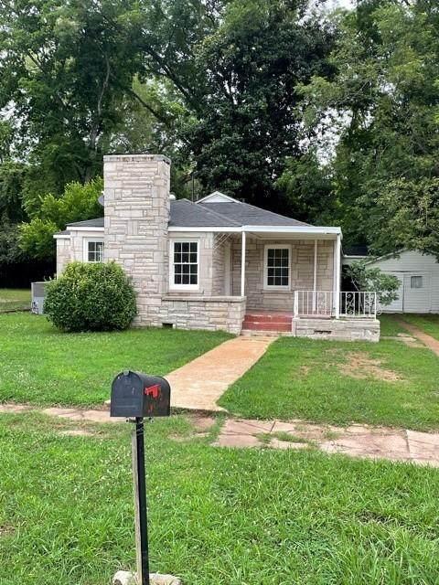 402 North Commons St W, Tuscumbia, AL 35674 (MLS #167860) :: MarMac Real Estate