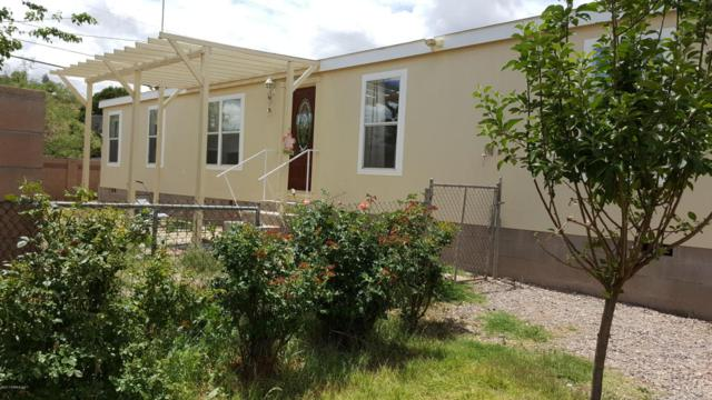 404 E Apache, Huachuca City, AZ 85616 (MLS #163097) :: Service First Realty