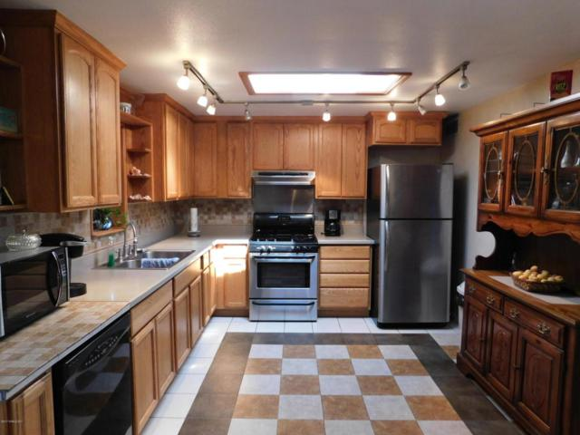 2087 N Aspen Avenue, Huachuca City, AZ 85616 (MLS #164107) :: Service First Realty