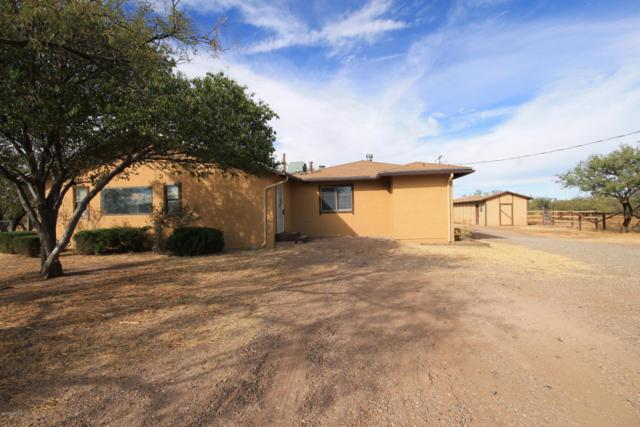403 E Oak Street, Huachuca City, AZ 85616 (#165308) :: Long Realty Company