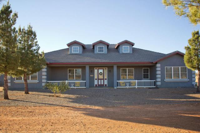 1992 N Chula Vista Road, Huachuca City, AZ 85616 (#165941) :: The Josh Berkley Team