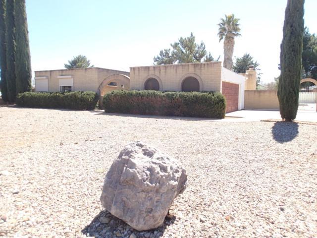 2048 Chantilly Drive, Sierra Vista, AZ 85635 (MLS #166273) :: Service First Realty