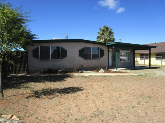 719 Skyline Drive, Huachuca City, AZ 85616 (MLS #168749) :: Service First Realty