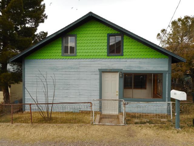 217 Hazzard Street, Bisbee, AZ 85603 (MLS #169186) :: Service First Realty