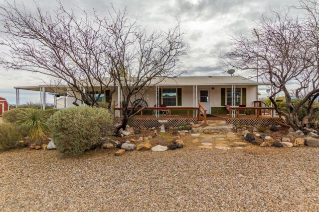 2266 N Hummingbird Road, Huachuca City, AZ 85616 (MLS #169751) :: Service First Realty