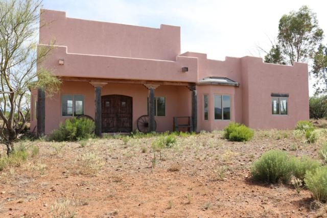 2111 N Columbine Place, Huachuca City, AZ 85616 (MLS #170915) :: Service First Realty