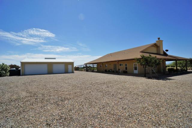 887 W Mule Lane, Huachuca City, AZ 85616 (MLS #171006) :: Service First Realty